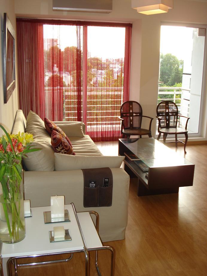 Como decorar espacios de menos de 50 m2 entre azul y for Muebles para decorar departamentos pequenos