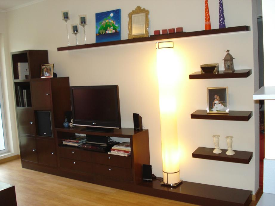 Como decorar espacios de menos de 50 m2 entre azul y for Muebles de departamento